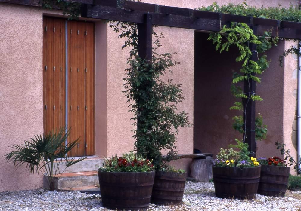 camoufler regards de fosse septique au jardin forum de jardinage. Black Bedroom Furniture Sets. Home Design Ideas